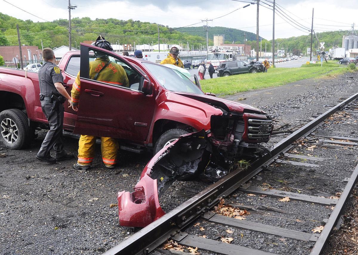 T-bone crash near Wayside Inn