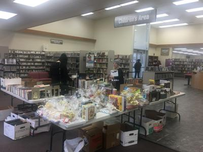 Yucaipa Friends of the Library hold a fundraising.