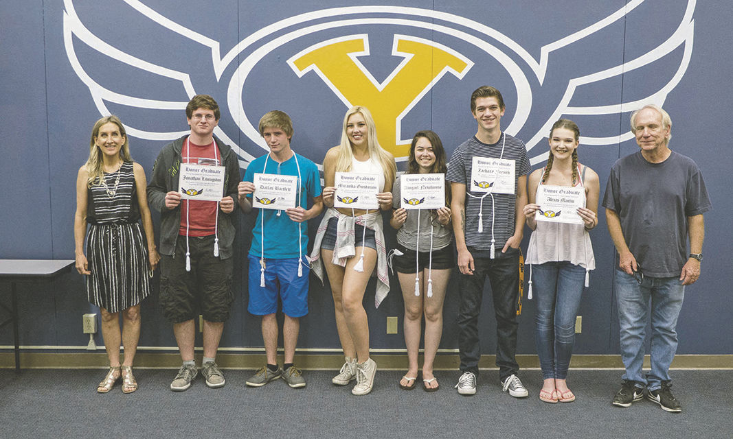 YHSArt-technology honor graduates are recognized