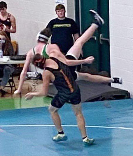 Waverly wrestling at WU