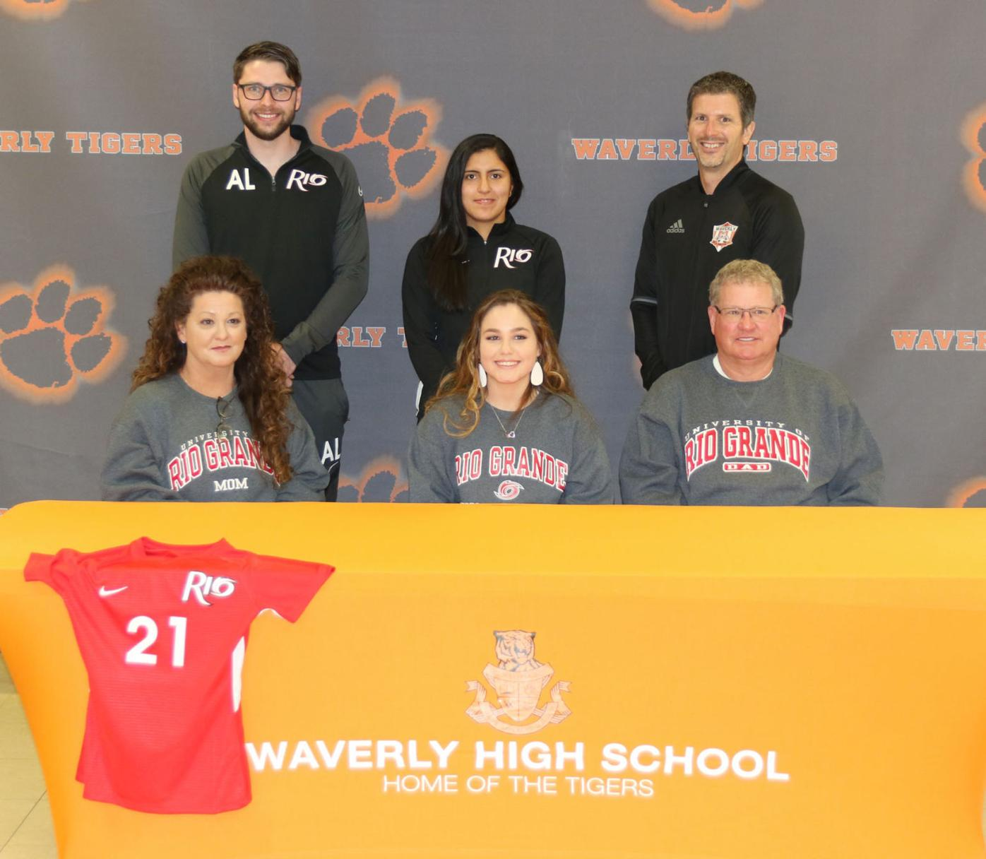 Amelia Willis signing - parents and coaches
