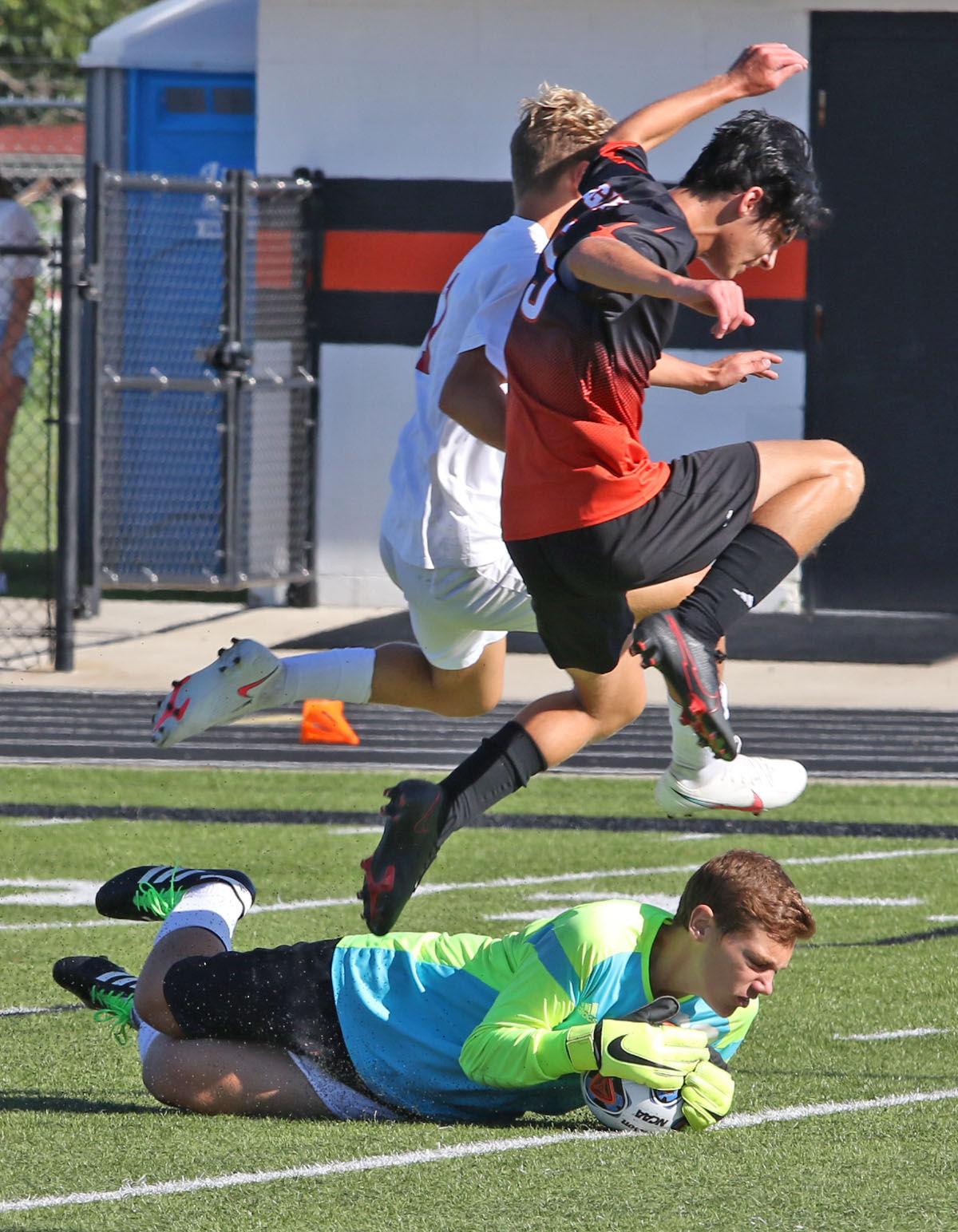Keagan Smith over Hillsboro goalie