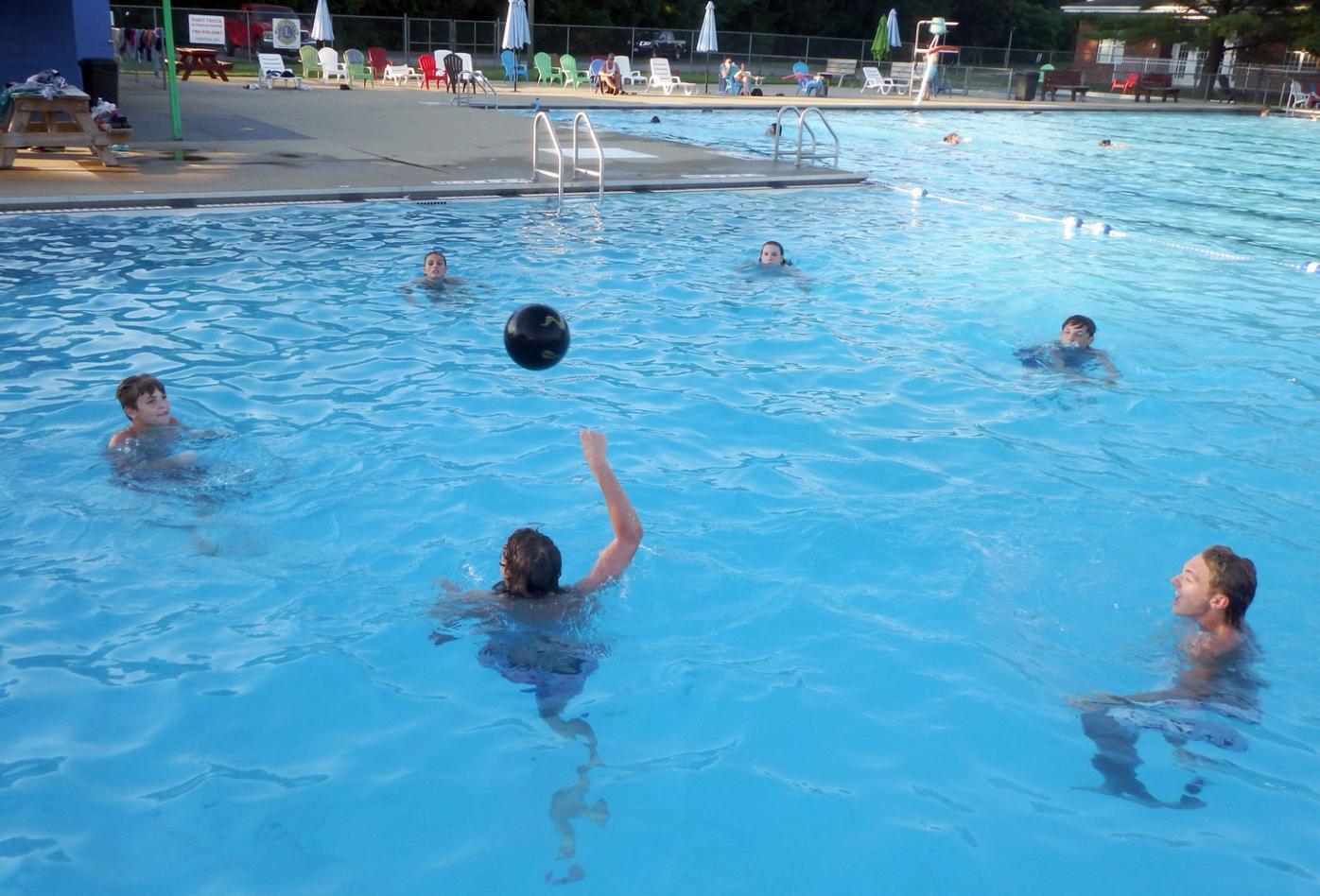 Waverly CC pool ball 4103.jpg