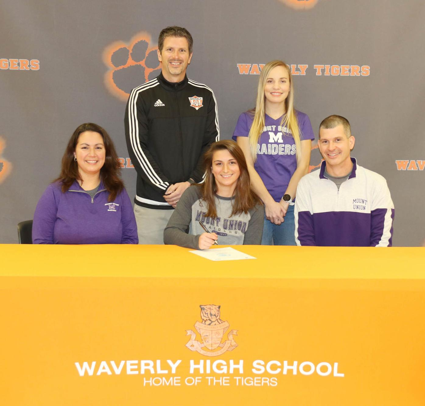 Alexis Murphy signing - parents and coaches