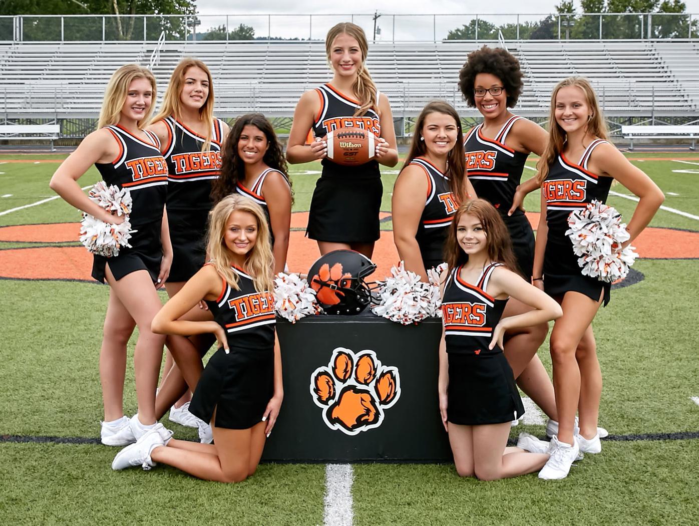 Waverly High School Varsity Cheerleaders 2021