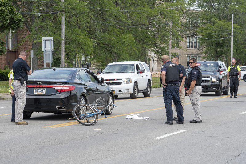 Bicyclistdies from injuries in Hyde Park crash
