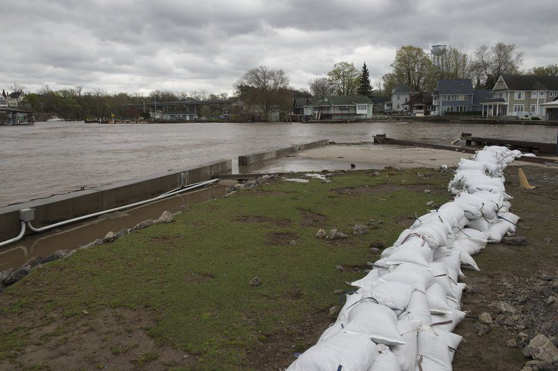 Cuomo declares state of emergency along Lake Ontario shoreline