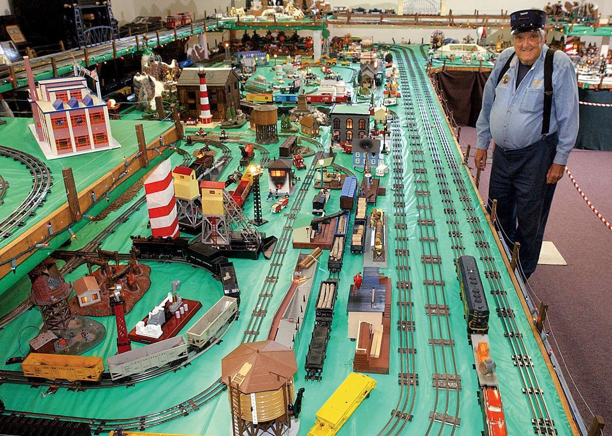 061124 Model Railroads3