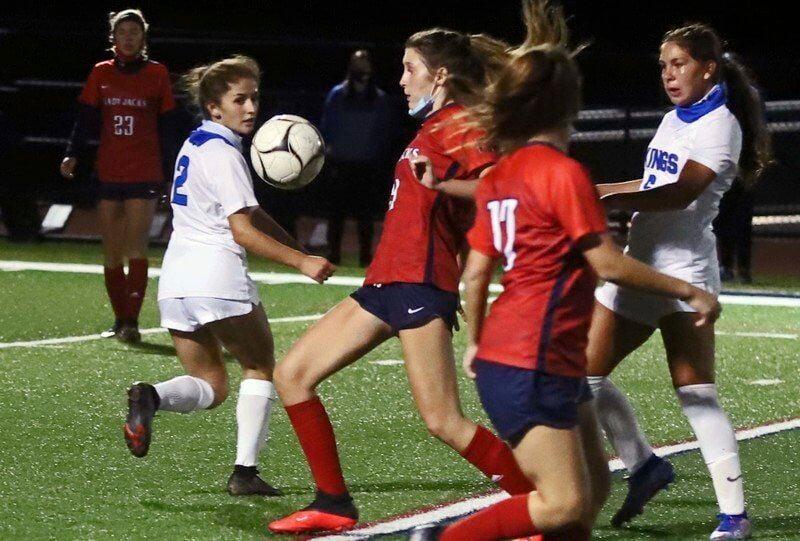 GI girls soccer handles NT in second straight shutout