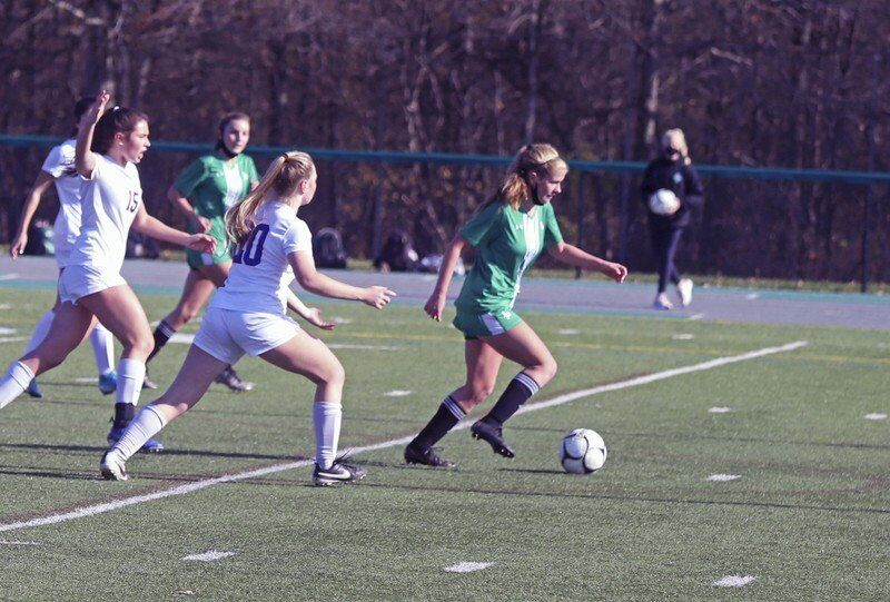 Woods twins leaving their marks on Lew-Port soccer