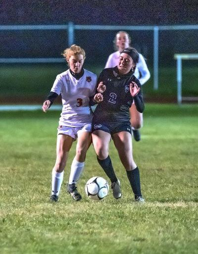 Top-seeded Southwestern too much for Lakewomen