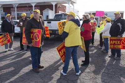 Lobbyists called into question during wind turbine protest