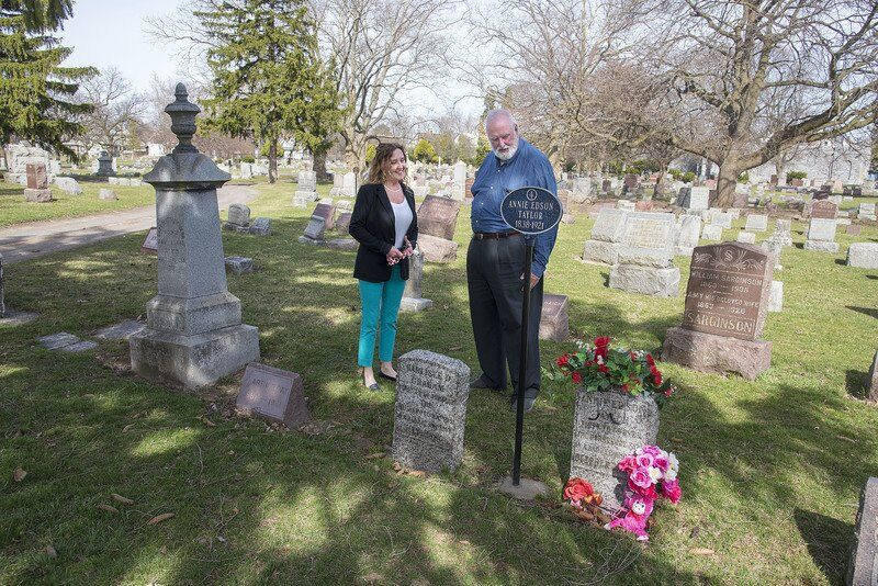 Oakwood Cemetery bringing life to the dead