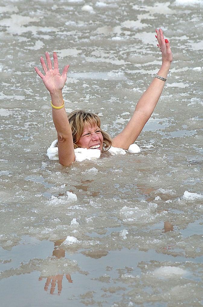 080302 polar swim2