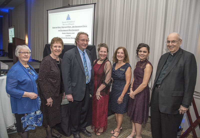Family & Children's Service of Niagarahands out awards