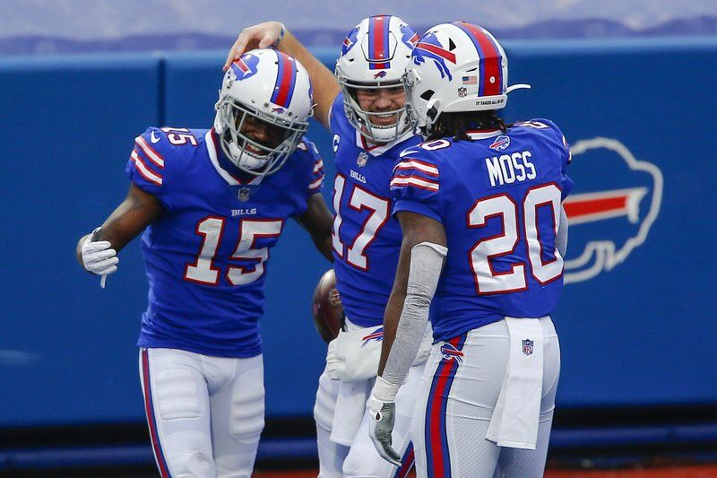Red hot Bills blow out Miami, to face Colts in playoffs