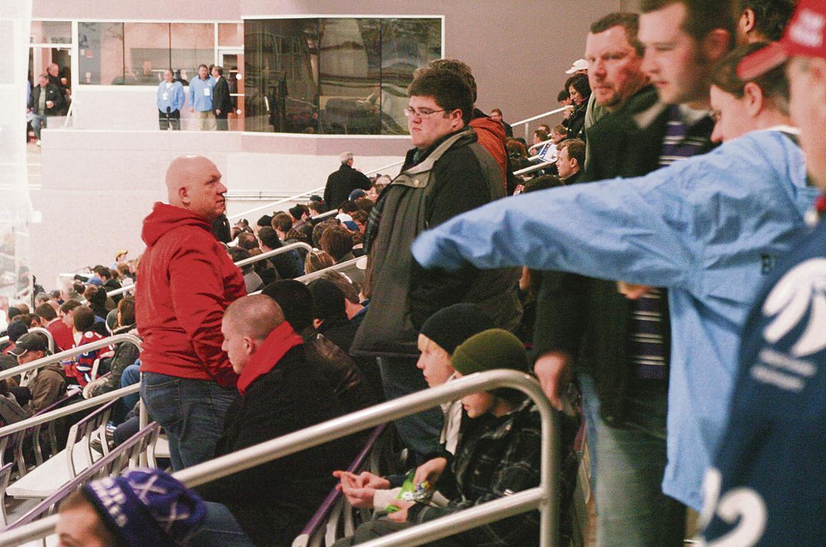 101228  hockey fans.jpg