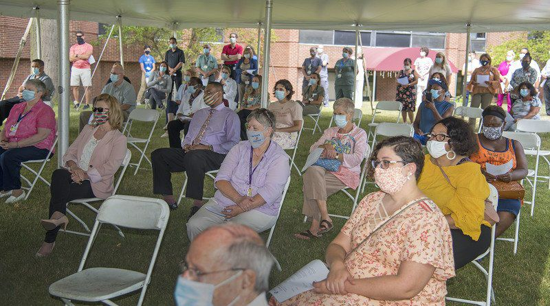 Memorial Medical Center holds ceremony to honor workers, remember COVID-19 victims