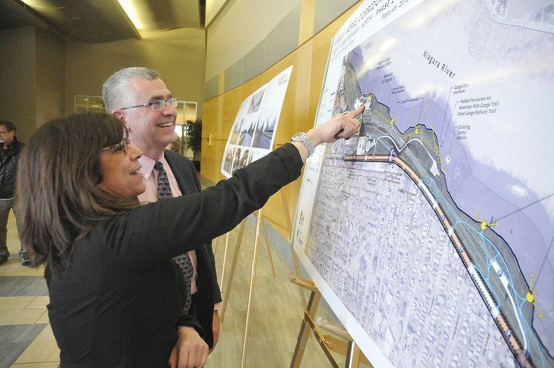 Robert Moses Parkway removal plans shown off to public