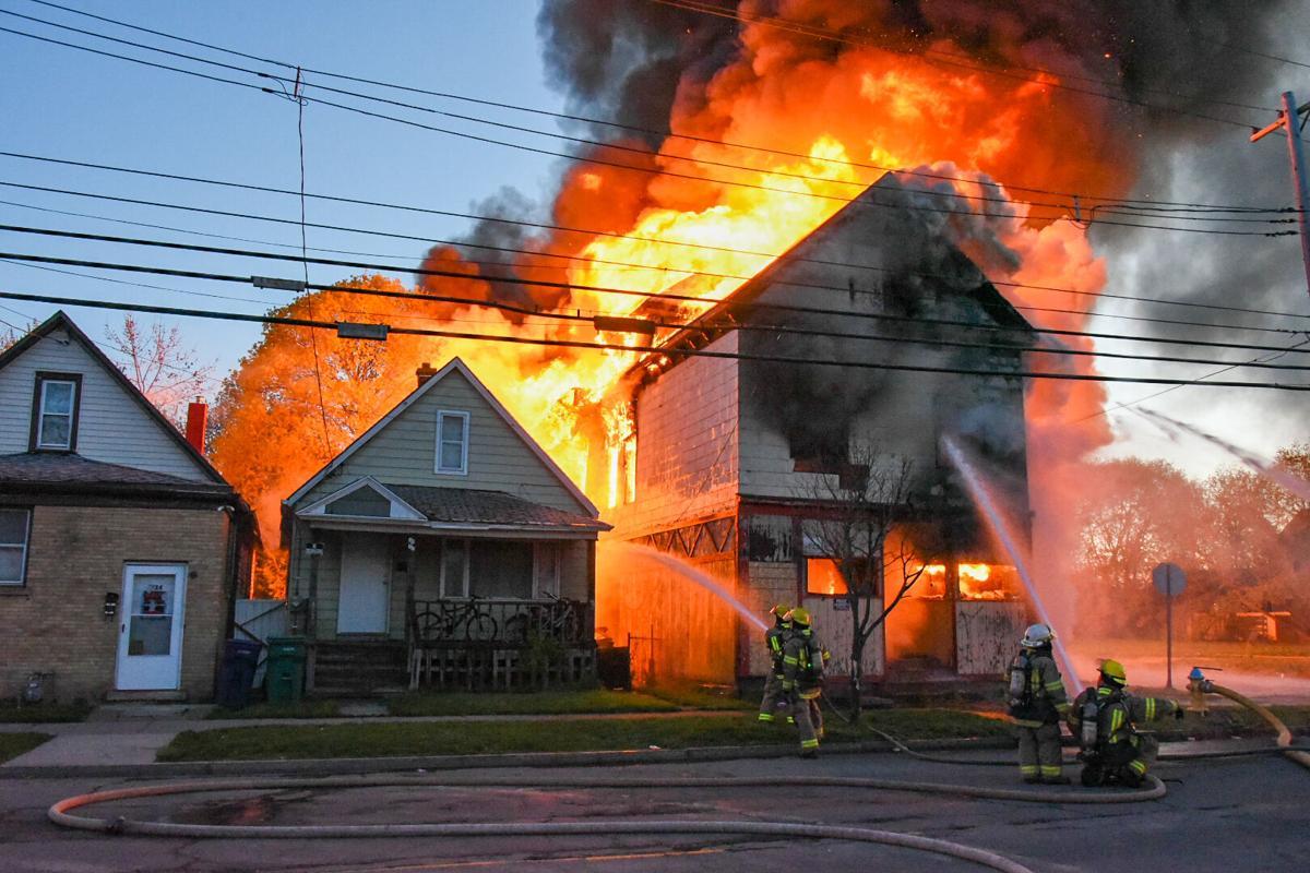 Niagara Street fire 1