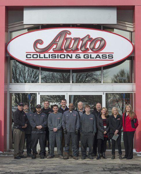 J R Auto Collision: IN BUSINESS: Niagara Falls's Auto Collision & Glass