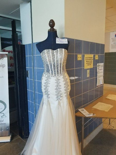 Prom Boutique Provides Free Gowns To Students Local News Niagara