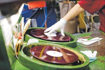 JENNINGS: The enduring appeal of vinyl records