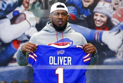 Bills' Oliver charged with drunken driving in Texas