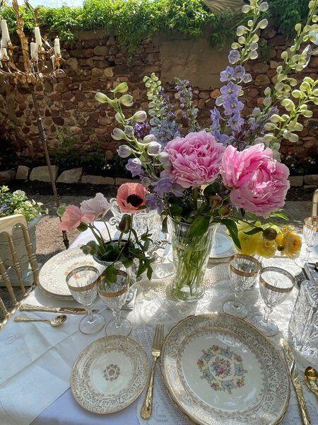 Dinner in a secret garden