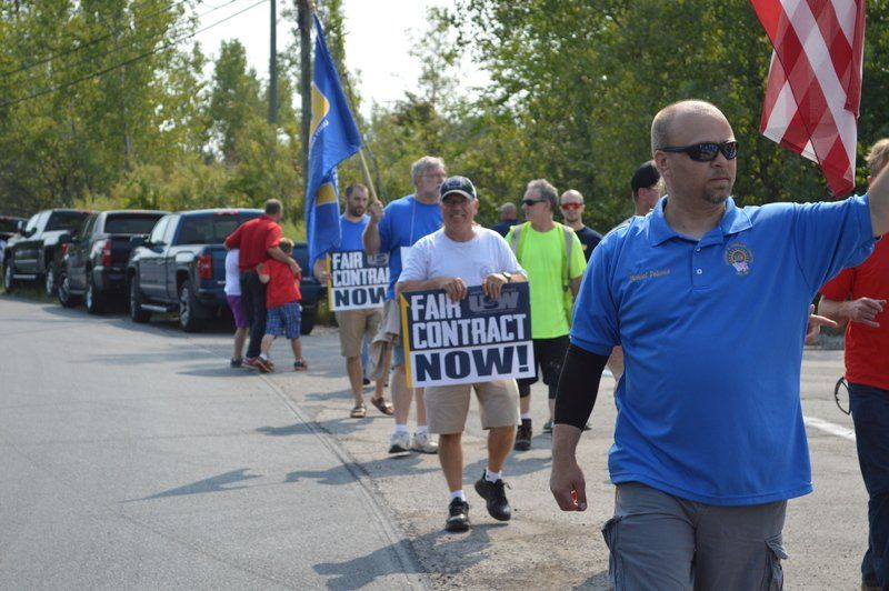 letter to the editor example usw rally outside lockport s ati plant local news 33051