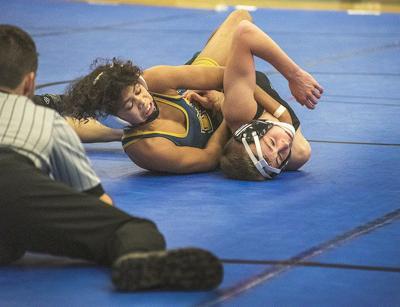 Niagara Falls handles GI for NFL wrestling title