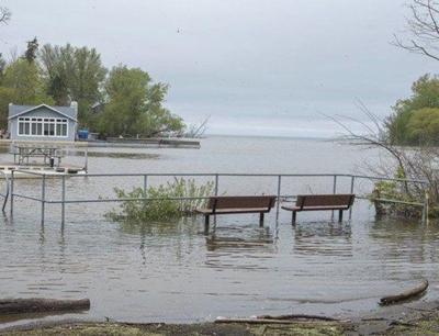 Business group: high lake outflows costing millions