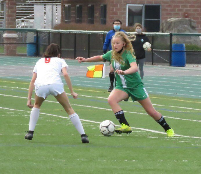 Auer sisters connect twice tolift Lew-Port to A-2 title game