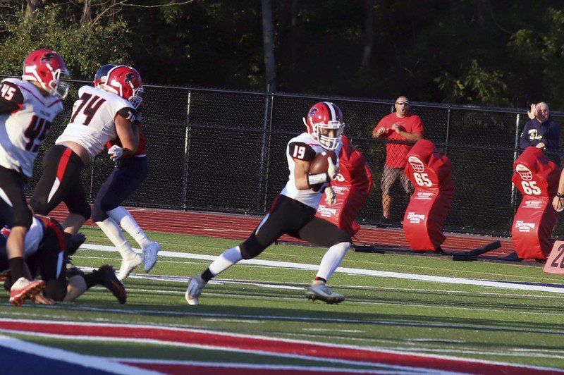 Newbie Lysiak sparks Falcons to opening win