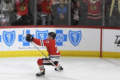 Kane, Dach lead Blackhawks past Sabres