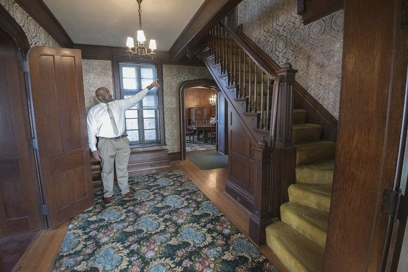 Showing off the historic Holley Rankine house in the Falls