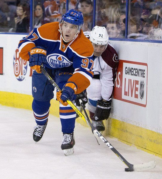 McDavid Faces Eichel In 2 Rookie Centers' First NHL