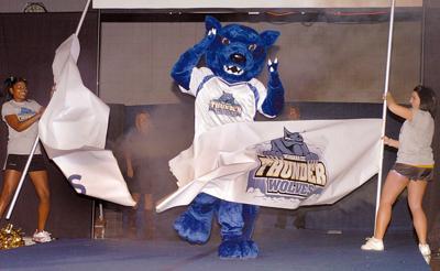 9b22eba1 Tasker speaks as Thunderwolves mascot is unveiled. | Sports ...