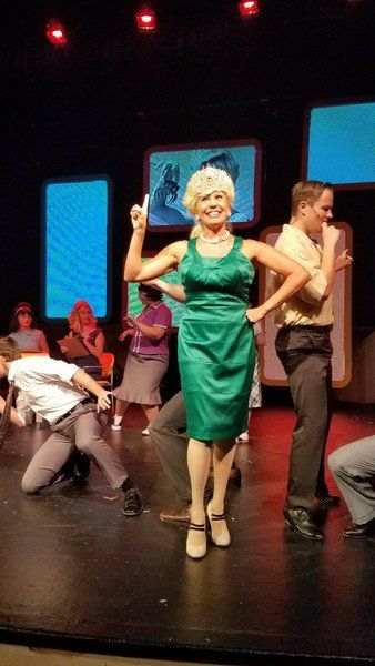 Lewiston native among star's in 'Hairspray'