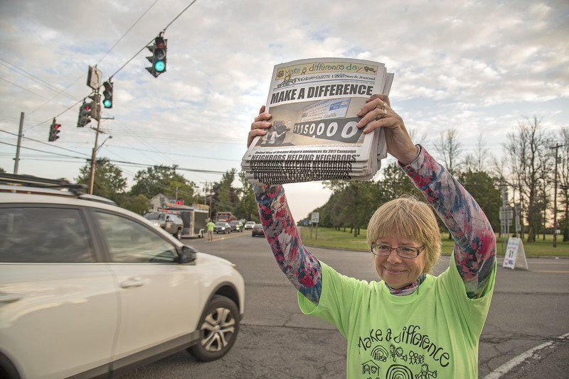Volunteers 'Make A Difference' for United Way