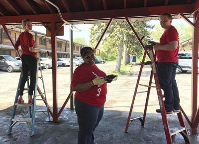 KeyBank employees take a day to give back | Web Extra