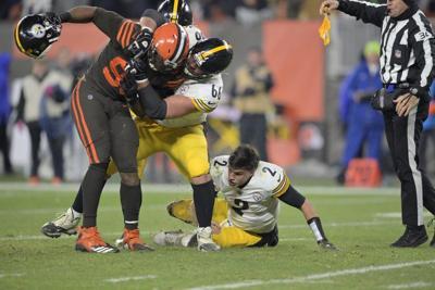 Browns'Garrett banned for rest of season