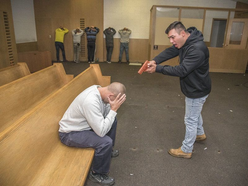 Falls police take dramatic approach to hostage training