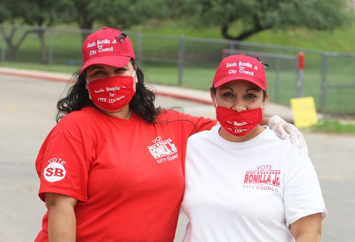 Bonilla supporters