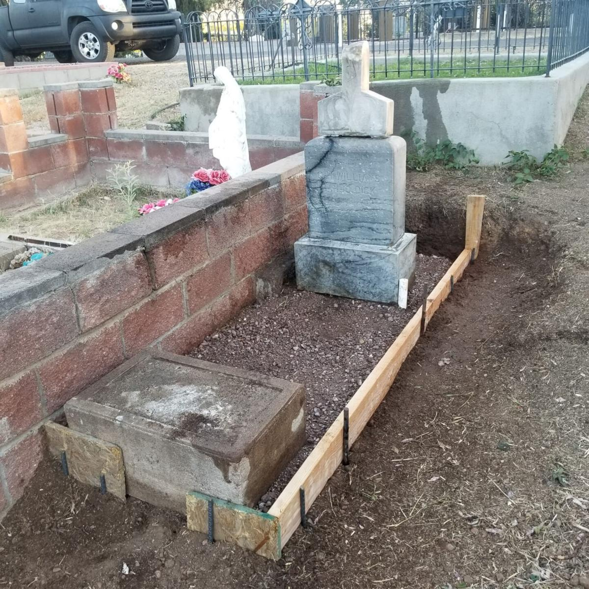 """Charlie """"Banjo Dick"""" Williams grave"""