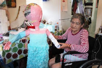 Piñata maker (spanish)
