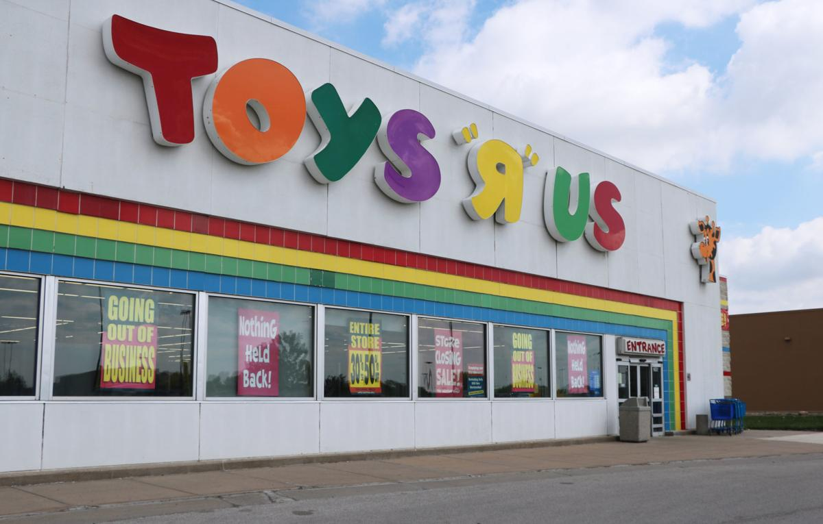 Toys R Us Prices : Toys r us prices drop as store continues liquidation sale