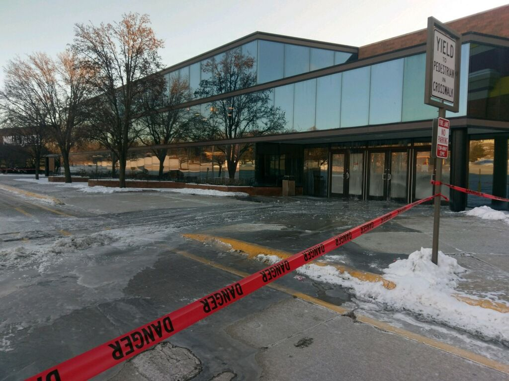 Video watch a water pipe burst at mall of the bluffs local news pipe burst sciox Images