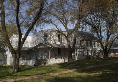 Three spooky spots that claim to be haunted you can visit in Iowa before Halloween