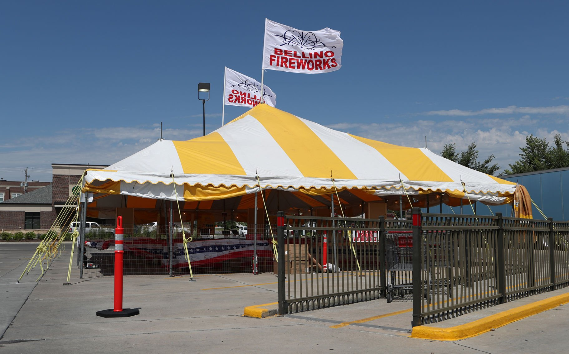 Iowa firework stands join more than a hundred in metro area & Council Bluffs relies on state law to compel firework stand ...